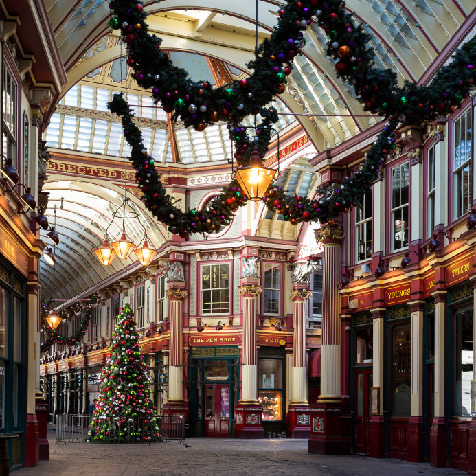 London holiday shopping scene
