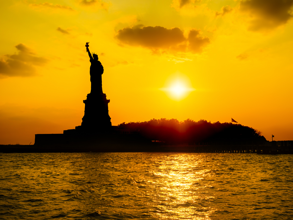 Romantic getaways new york city oro gold stores for Ny weekend getaways for couples