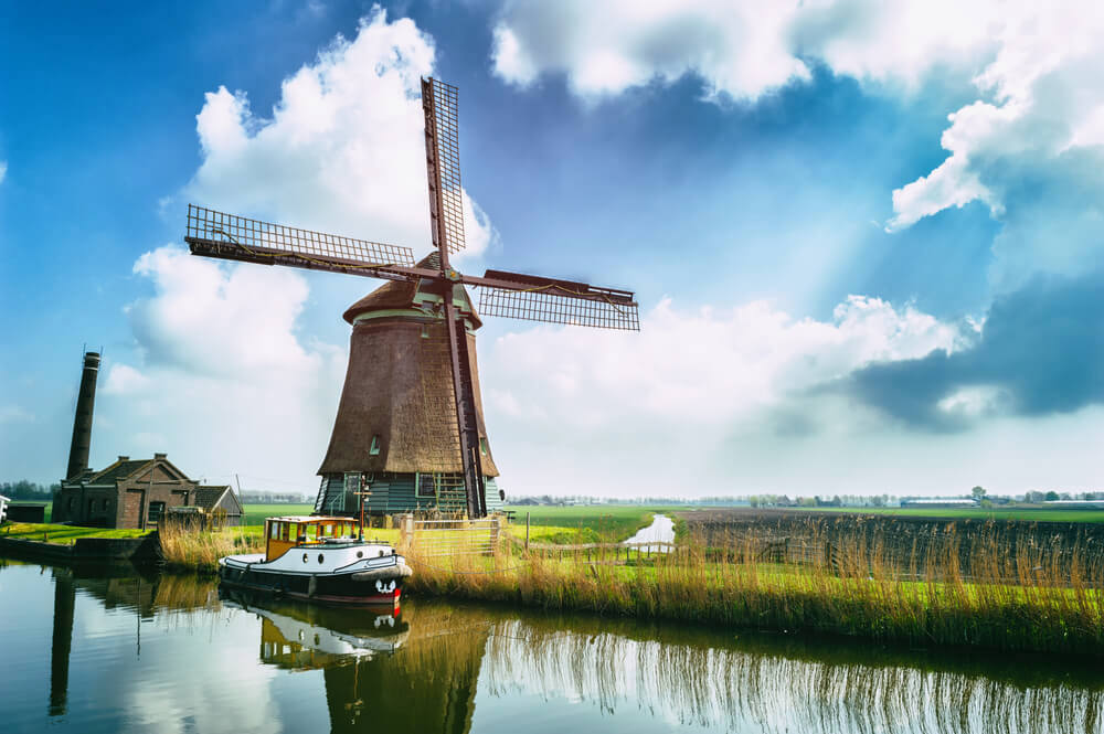 Solitary windmill in the Dutch countryside