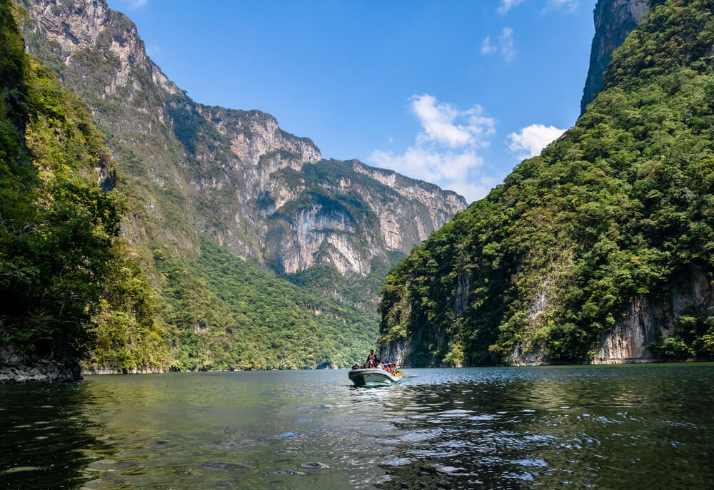 CHIAPAS, MEXICO - Oct 25, 2016: Boat with people in Sumidero Canyon