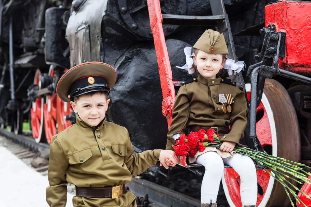 Children in uniform on Father's Day, for Fatherland